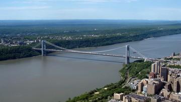 """Alarm bombowy w Nowym Jorku. """"Podejrzanie wyglądająca paczka na moście"""""""