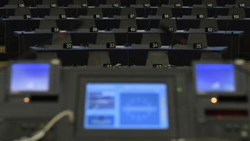 Von der Leyen kandydatką na szefową KE. Potrzebuje teraz 376 głosów