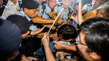 Wielka gala i protest podczas drugiego dnia wizyty prezydenta Chin w Hongkongu