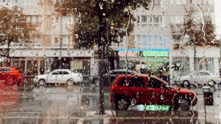 Prawie wszędzie deszcz i burze, uwaga na grad. Pogoda na wtorek