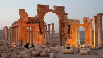 Bojownicy IS przejęli starożytną Palmirę