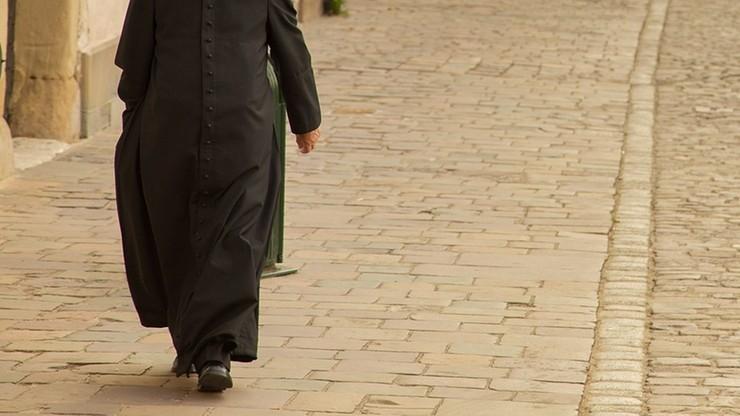 Opolskie: były ksiądz oskarżony o pedofilię. Miał molestować ministranta