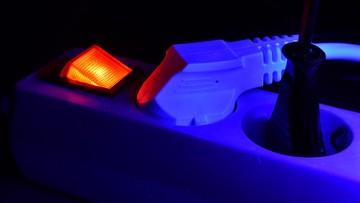 Lampa zabijająca koronawirusa. To pierwsze takie urządzenie na świecie