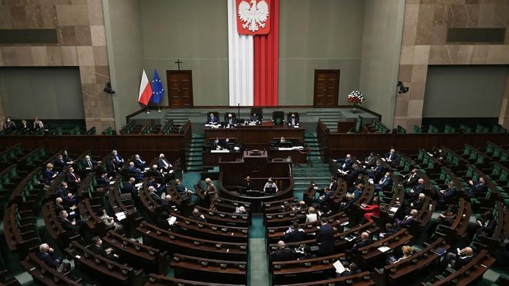 Dodatki dla pracowników medycznych. Sejm podjął decyzję