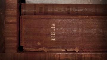 Książki, których Amerykanie nie chcą w bibliotekach. Biblia w  pierwszej dziesiątce