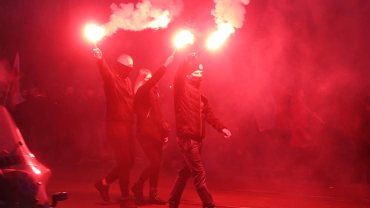 """Podpalone mieszkanie na trasie Marszu Niepodległości. """"Niech płonie ta k***"""""""
