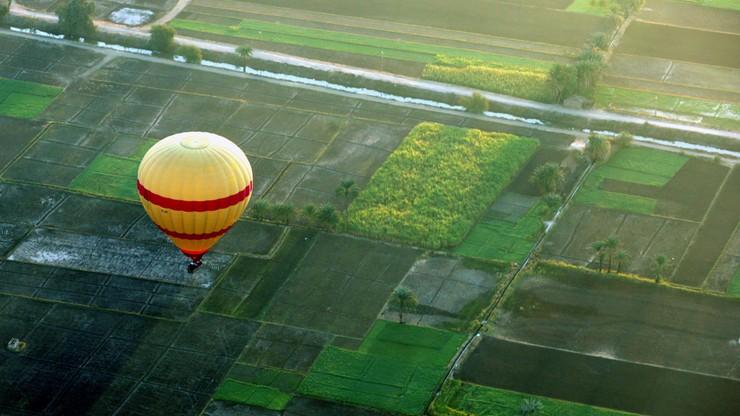 W Egipcie spadł balon z turystami. Jedna ofiara śmiertelna