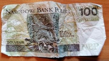 Podrobionym banknotem zapłacił za alkohol. Wpadł, gdy przyszedł po papierosy