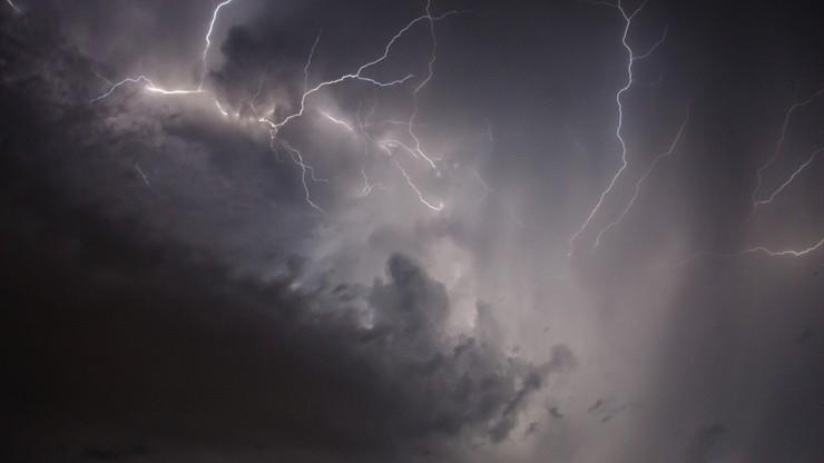 Obfite deszcze, burze i silny wiatr. Pogoda na wtorek