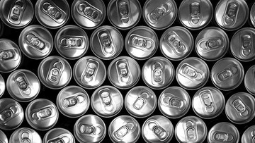 Podatek cukrowy w praktyce. Za słodzone napoje płacimy niemal dwa razy więcej