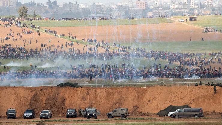 Strajk i żałoba po tragicznych w skutkach protestach w Strefie Gazy. Zamknięte sklepy i instytucje