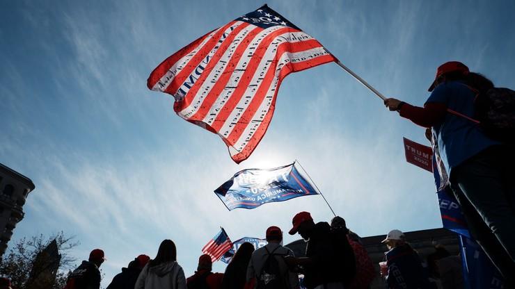 USA: znaleziono kolejne niepoliczone głosy. Większość z nich oddano na Trumpa