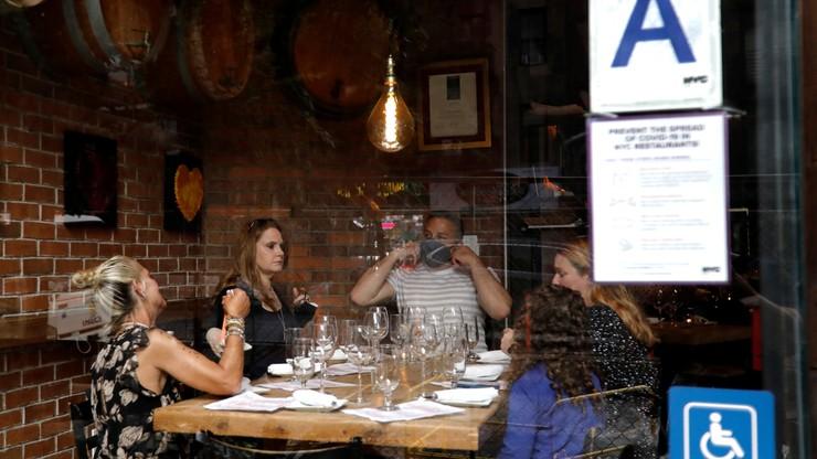 Obowiązek szczepień dla pracowników gastronomii w Nowym Jorku