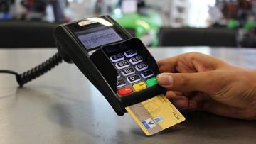600 mln zł dla sklepikarzy na terminale płatnicze