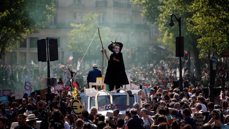 Antyprezydencka manifestacja w rocznicę inauguracji Macrona. Policja użyła gazu