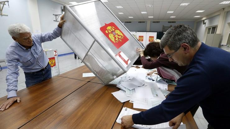 Partia Putina i Miedwiediewa wygrała wybory w Rosji