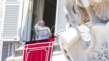 """Papież modlił się za ofiary z Nicei. """"Niech Bóg oddali wszelki plan terroru i śmierci"""""""