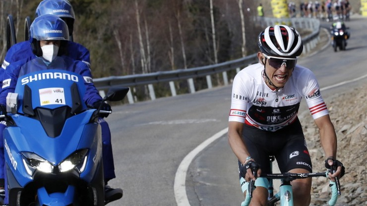 Esteban Chaves wygrał etap, Adam Yates wciąż liderem wyścigu Dookoła Katalonii