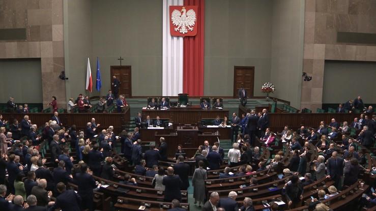 PiS z 39,7 proc. poparcia, Wiosna trzecią siłą, SLD poza Sejmem