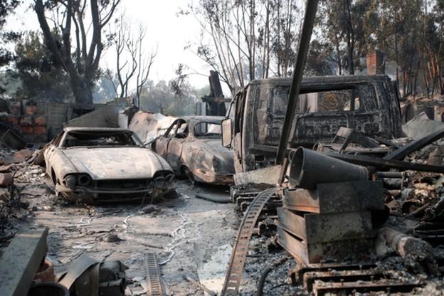 25 ofiar śmiertelnych pożarów w Kalifornii