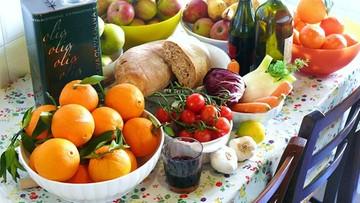 Włosi wyrzucają żywność o wartości 16 mld euro. Takie dane przedstawił krajowy związek rolników