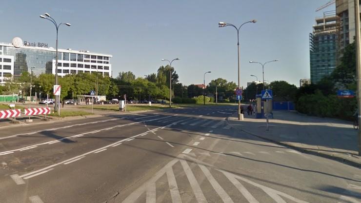 """""""Zielone chodniki"""" w Warszawie. Mają pomóc w walce ze smogiem"""