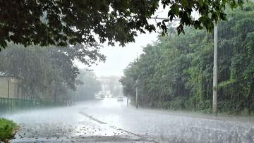 Majówka z coraz gorszą pogodą. Ostrzeżenia dla większości kraju