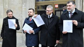 Konfederacja zawiadamia prokuraturę w sprawie lockdownu. Oskarża premiera i ministrów zdrowia