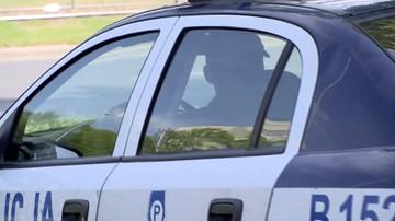Policyjny radiowóz cofał na przejściu dla pieszych. Potrącił 81-latkę