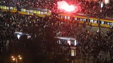 Manifestacje po wyroku TK ws. aborcji w Polsce i za granicą. Pojawili się na nich również narodowcy