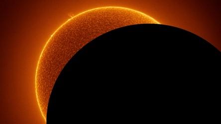NASA: Gigantyczny obiekt migocze w centrum Drogi Mlecznej. To nie czarna dziura