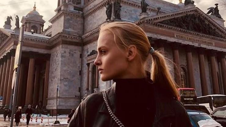 Wypadek modelki w Moskwie - pęknięta miednica, połamane żebra. W tle wnuk ikony rosyjskiego kina