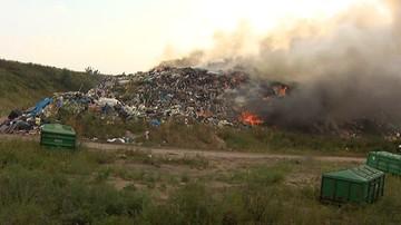 Podlaskie: płoną śmieci na wysypisku w Studziankach