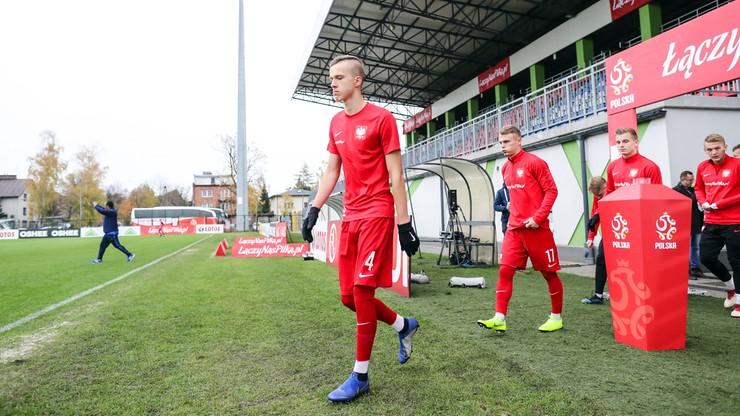 Praca z Evrą, awans i treningi z seniorami. Jak młody Polak radzi sobie w Manchesterze United?