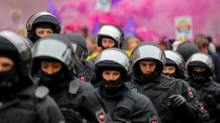 Starcie protestantów z policjantami przed zjazdem AfD. Użyto armatek wodnych