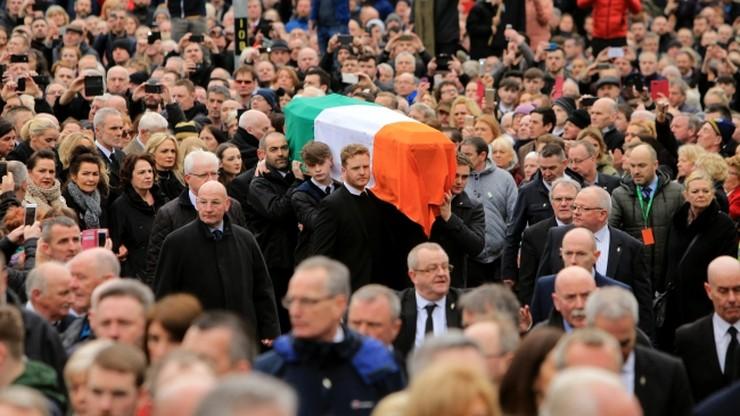 Był terrorystą, później ministrem. Na jego pogrzeb przyszły tłumy