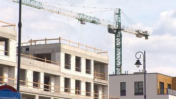 """""""Deweloperzy kontrolują decyzje polityczne"""". Mieszkanie plus czeka reforma, ale nie wiadomo jaka"""