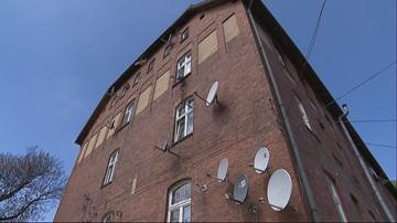 Dwóch 4-latków wypadło z okna kamienicy w Wolsztynie. Jeden zmarł. W Pucku z okna wypadł 2-latek