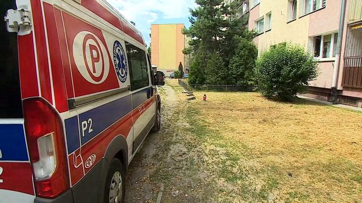 Zarzuty dla babci czterolatka, który wypadł z okna w Łodzi. Chłopiec zmarł na miejscu