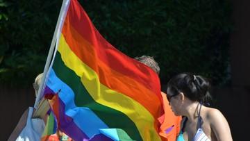 """""""Zachowanie niezgodne z tradycyjnymi rolami płciowymi"""". Nowe zasady na Węgrzech"""