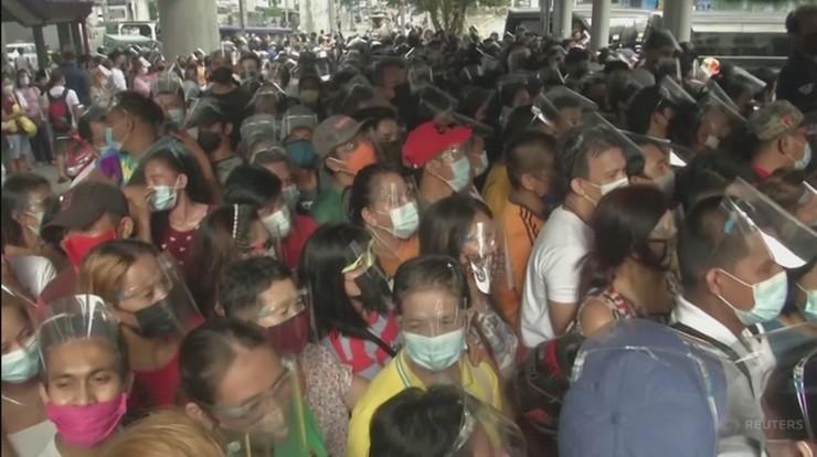 Filipiny: tysiące osób w Manili chcą się zaszczepić przed lockdownem