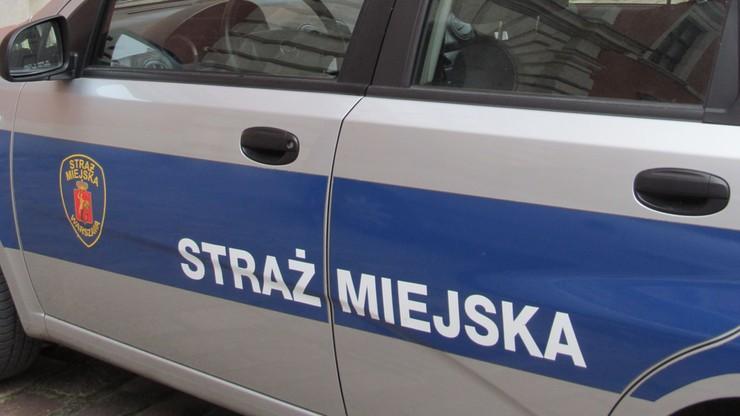 Więzienie dla byłych strażników miejskich za pobicie mieszkańca Warszawy