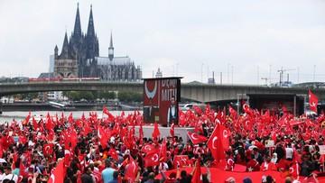 Demonstracja zwolenników Erdogana w Kolonii. Napięcia między Berlinem a Ankarą