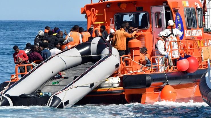 Sondaż: prawie dwie trzecie Włochów za blokowaniem wybrzeży kraju, by zatrzymać napływ migrantów