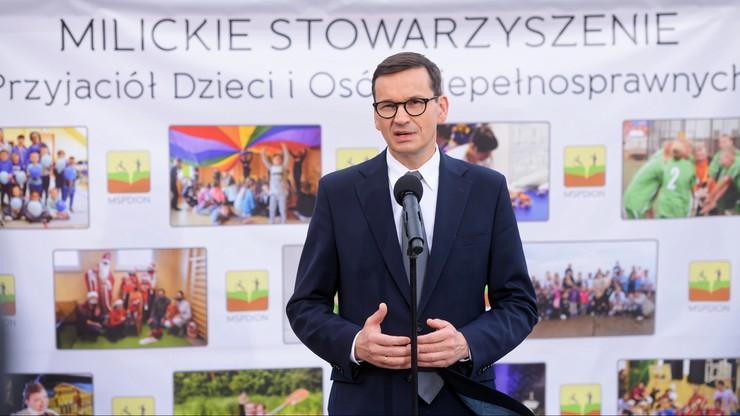 Premier Morawiecki w Miliczu: solidarne społeczeństwo przede wszystkim wyciąga rękę do najsłabszych