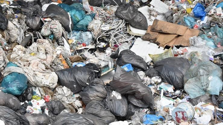 Podwyżki cen za wywóz śmieci w Warszawie. Pięcioosobowa rodzina może zapłacić nawet 250 zł