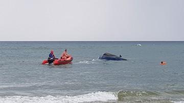 W Rowach wywróciła się łódź motorowa. Na pokładzie było 6 osób i pies