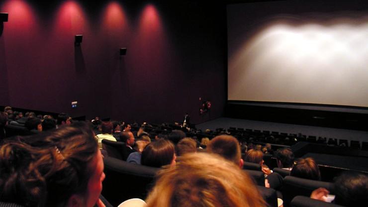 Bilety do kina dla zaszczepionych. Znana sieć wycofuje się z pomysłu