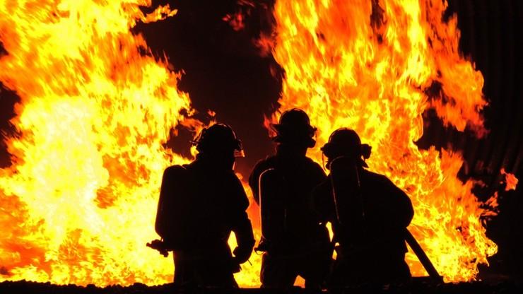 Strażak-ochotnik wzniecał pożary, a potem je gasił. Spalona słoma kosztowała 14 tysięcy zł