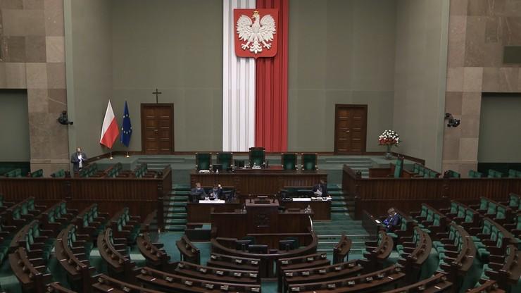 """Prace nad """"tarczą antykryzysową 3.0"""". Obrady Sejmu zostaną wznowione w czwartek"""